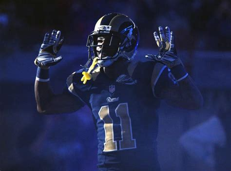 st louis newspaper rams black cops call up gesture by rams commendable