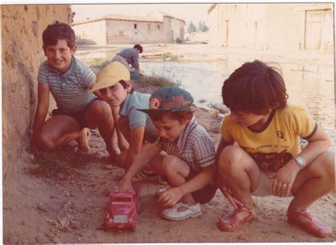 imagenes de niños jugando futbol en la calle grupo de ni 241 os jugando en la calle en cerezales del