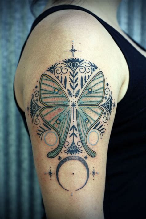 luna tattoo 25 best ideas about moth on moth