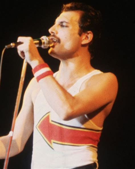 Freddie Mercury Best Biography | freddie mercury bohemian rhapsody biography