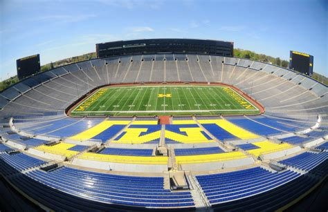 michigan big house michigan stadium the big house stadiumdb com