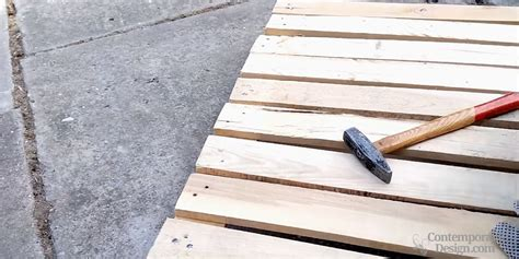 Easy Pallet Coffee Table How To Make A Pallet Coffee Table Easy Diy