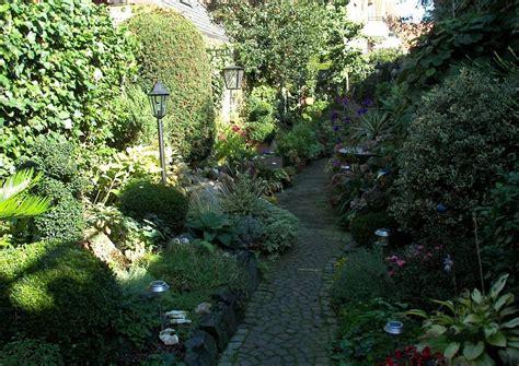 Pflanzen Kleiner Garten by Gartengestaltung Bilder Immergr 252 N Garten Und