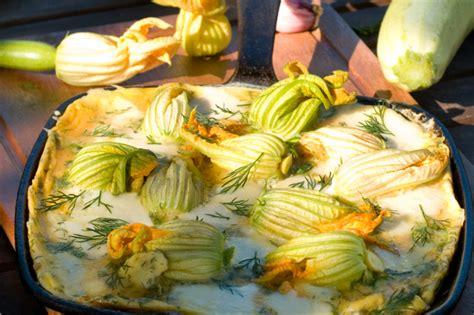frittata di fiori di zucca frittata di fiori di zucca la ricetta amata da grandi e