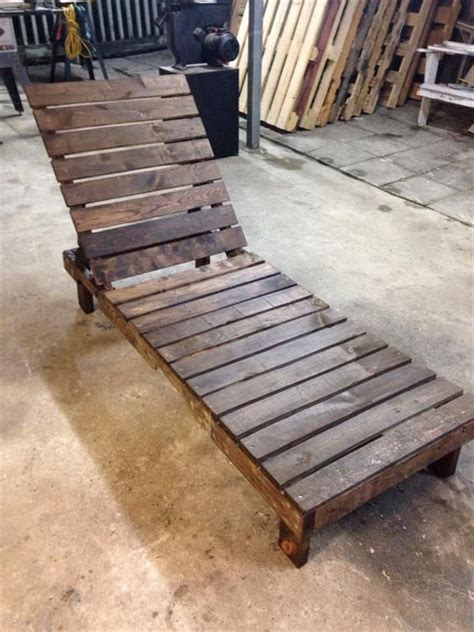 25 best pallet seating ideas on pallet outdoor pallet chairs and outdoor best 25 pallet outdoor ideas on pallet outdoor pallet seating and
