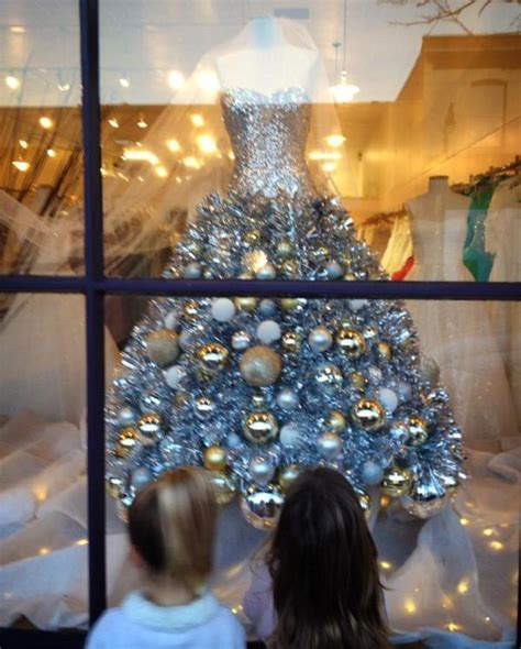 best way to dress a christmas tree 17 best images about dress form on trees chicken wire and