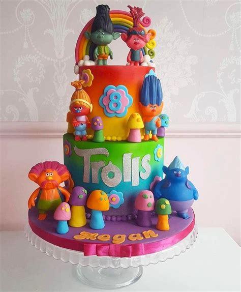 Paperbag Ulangtahun My Pony Isi 12pakk 17 best images about cakes on unicorn cakes frozen castle cake and frozen cake