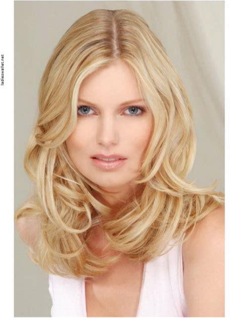 schoene frisuren fuer blonde haare