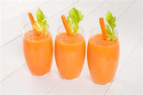succo di carota e sedano smoothie mela carota e sedano