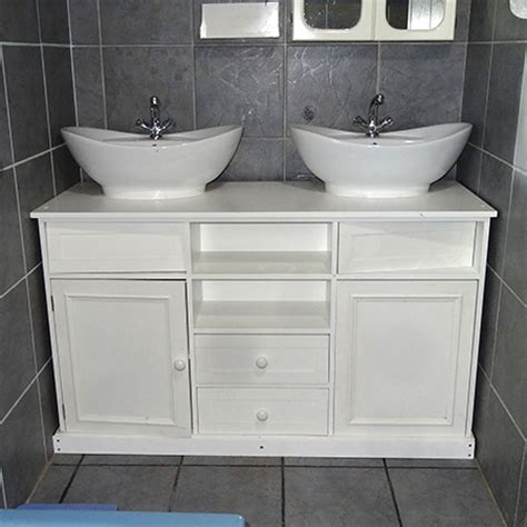HOME DZINE Bathrooms   Install his and hers vanity basins