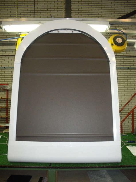 jalousie rundbogenfenster jalousie mit solarantrieb wandl 252 fter mit solarantrieb f 252 r
