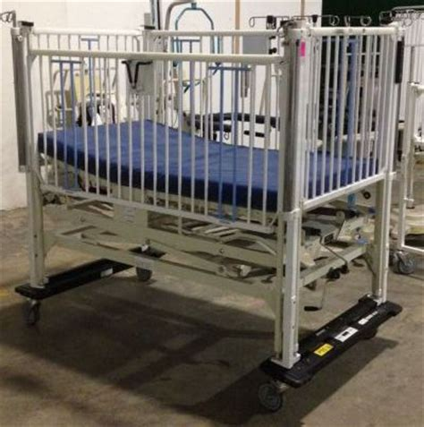 Used Crib For Sale by Used Manual Pica Kpg Hi Lo Crib For Sale Dotmed