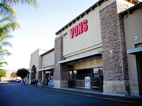 bed bath and beyond huntington bed bath and beyond huntington beach customers stem the