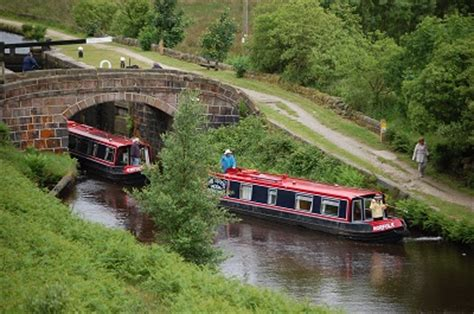 yorkshire canal holidays | northern canal boat hire