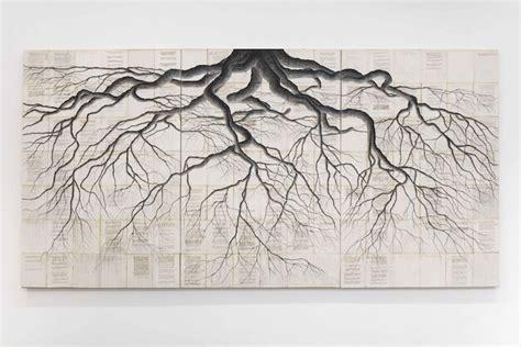 racines web roots des racines d arbres sur des pages de la bible du