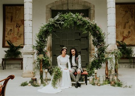 70s Inspired Spanish Elopement Filled with Greenery