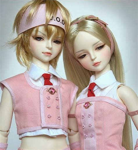 wallpaper of couple dolls pretty barbie doll couple wallpapers free download free