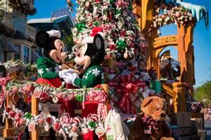 2016 christmas at disneyland update disney tourist blog
