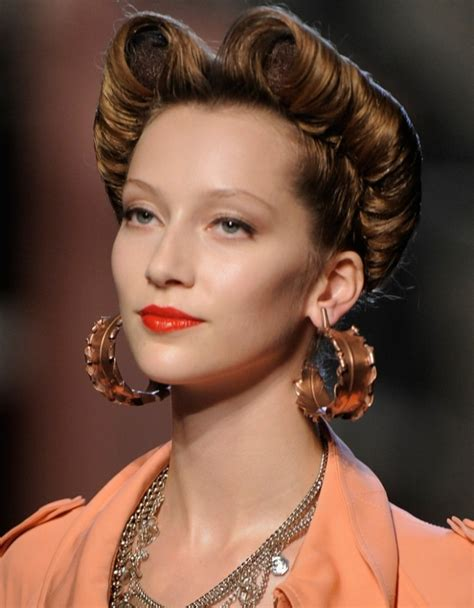 Pin Up Vintage Dark Brown Hairstyles For Long Hair1