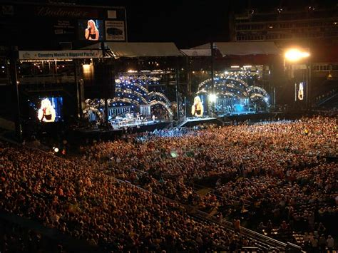 country music festivals tennessee 2014 cma fest package sweet magnolia tours