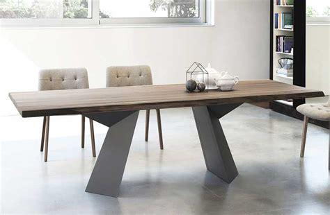 esszimmer 10 personen tischplatte nussbaum baumkante f 252 r esszimmertische ideen
