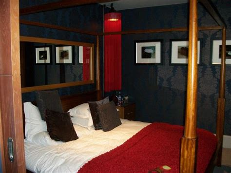 Bunk Beds Liverpool Four Poster Bed In Kop Suite Picture Of Malmaison Liverpool Liverpool Tripadvisor