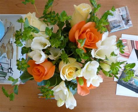flower arranging basics basic flower arranging tips entertaining pinterest