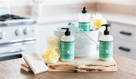 7 Products To Help You Get A Pretty Pouty Pucker by How To Create A Better Home Care Routine Plus Free