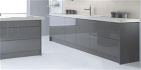 lucido senza handleless style kitchen in graphite dark high gloss kitchens on pinterest high gloss kitchen