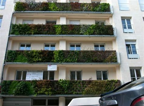 Balcony Vertical Garden Amazing Vertical Gardens Around The World