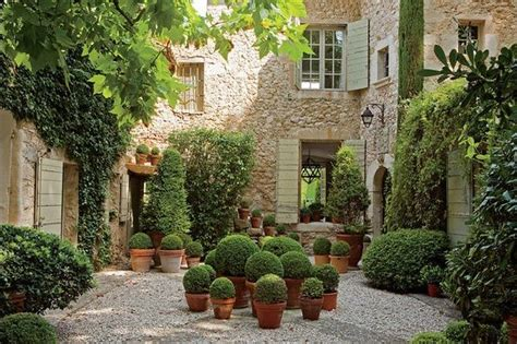 topiary courtyard heaven favorite places spaces - Topiary Courtyard