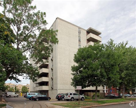 latitude forty apartment homes rentals denver co