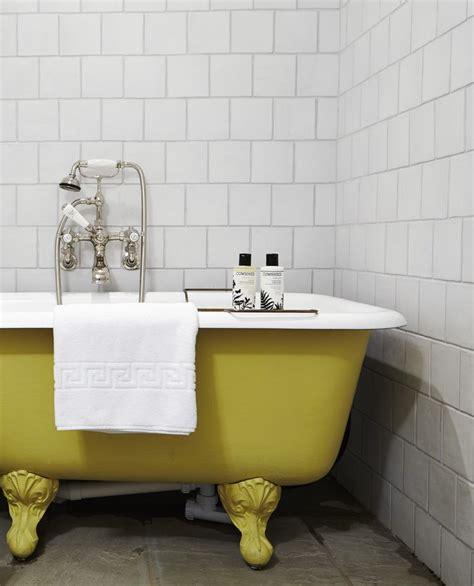 yellow clawfoot tub bathroom ideas pinterest 10 ideas about roll top bath on pinterest clawfoot