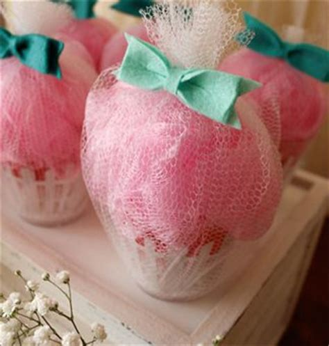 cupcake bridal shower favors 20 bridal shower favor gifts your guests will like