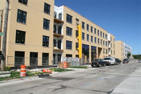 river s edge apartments arts studio fitzwater st friday photos river house takes shape 187 urban milwaukee