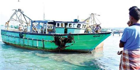 kerala fishing boat operators association boats to keep off fishing activities across kerala on
