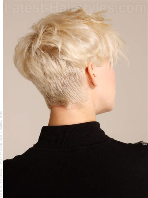 short hairstyle blonde in front black in back long at back and short at front hair black hairstyle and