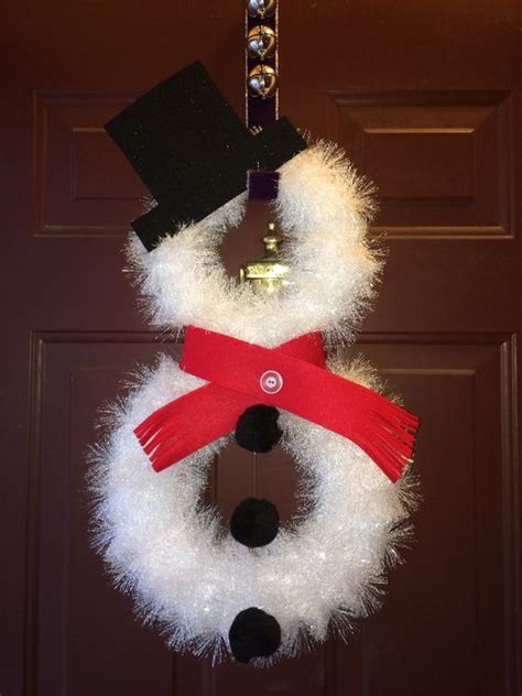 diy tutorials  ideas    snowman wreath