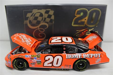 tony stewart 2007 the home depot 1 24 owners elite nascar