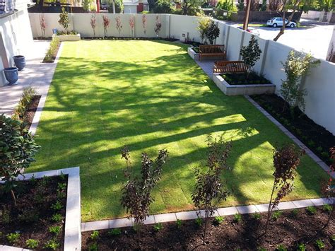 mulch beds stringybark landscaping in mylor adelaide sa