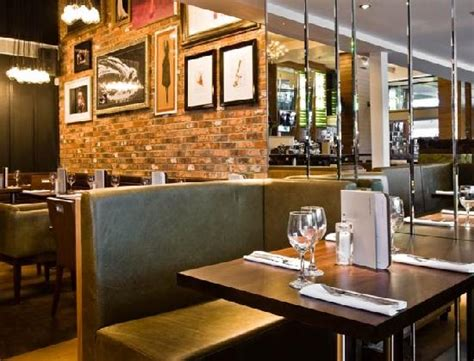 the living room bristol restaurant reviews phone number on