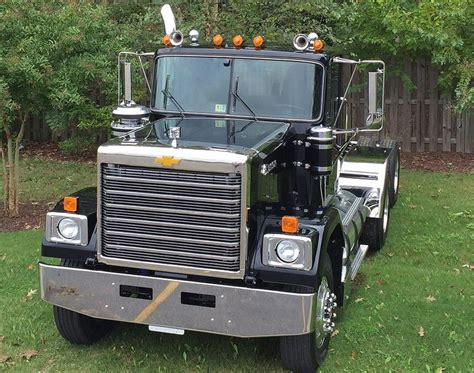 47 best images about chevy detroit diesel gmc big rigs on