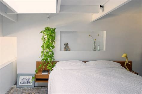 organic bedroom 23 stylish bedrooms that bring home the beauty of skylights