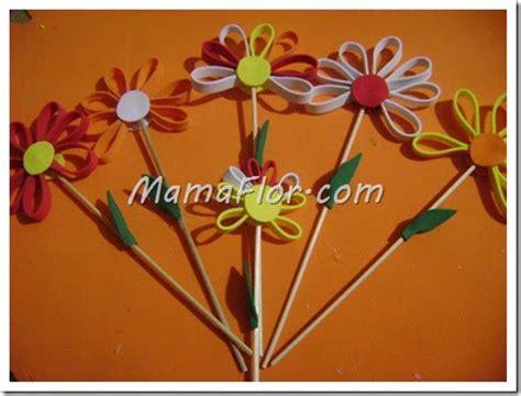 diy como hacer hojas realistas de goma eva para flores como hacer flores de colores con goma de eva