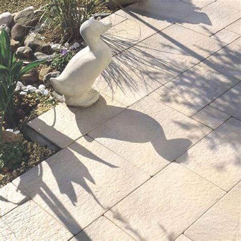 rasenkantensteine beton gewicht betonwerkstein platten garten platten pflastersteine