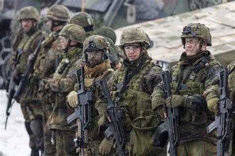 Pattiz Sniper Elite Figure Multicam Camo militarii germani verificaţi de autorităţi motivul