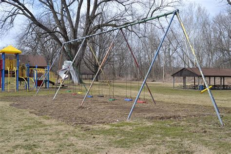 Swing Sets Kachelmacher Park