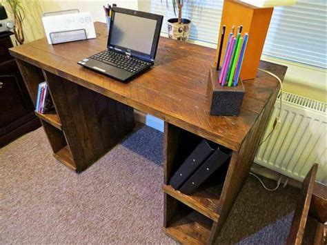 Computer Desk Diy Diy Pallet Computer Desk With Storage 101 Pallets