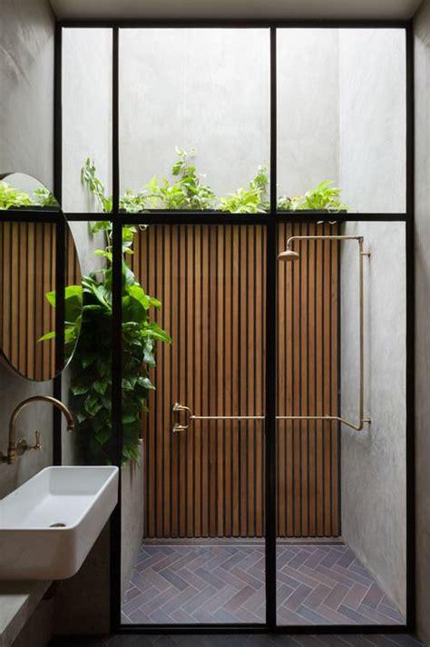 outdoor bathroom ideas 25 best ideas about indoor outdoor bathroom on