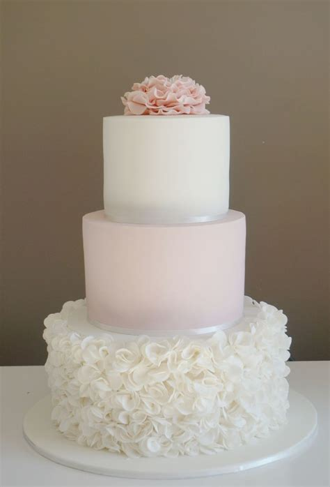 white 2 tier wedding cake 25 best ideas about 3 tier cake on pink
